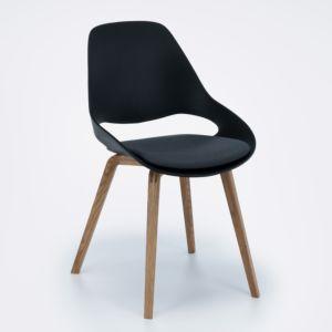 Houe Falk stoel - houten poten